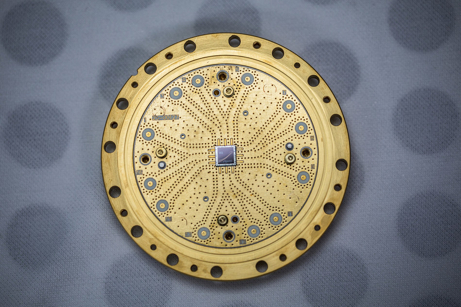 An 8-qubit quantum processor built by Rigetti Computing.