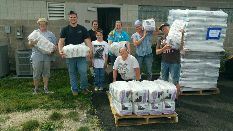 Tons of Love for Animals in Need: American Humane and Chicken Soup for the Soul Pet Food Deliver 6,457 Pounds of Food and Love to the Fort Defiance Humane Society.