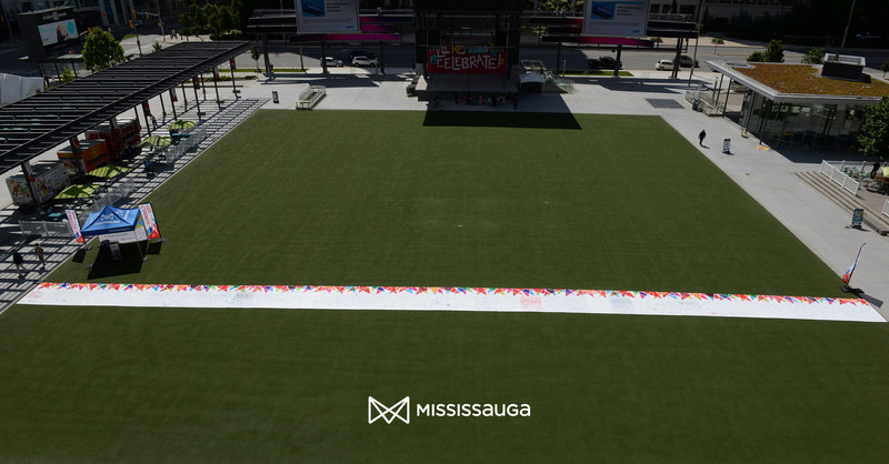 Mississauga's Biggest Birthday Card was assembled at Mississauga Celebration Square as part of the Guinness World Record attempt and measured 155 ft. (47.2 metres) in length. The initiative is part of the City's Canada 150 celebrations. (CNW Group/City of Mississauga)