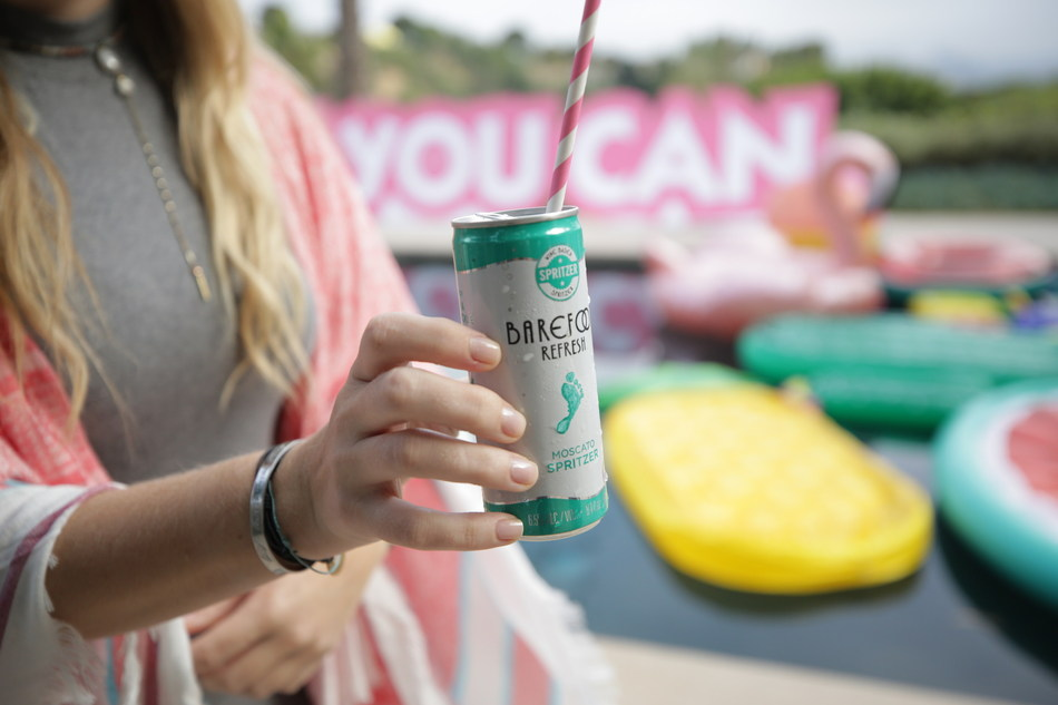 #YEAHYOUCAN SPRITZ UP YOUR SUMMER WITH BAREFOOT WINE'S NEWEST CANNED SPRITZERS