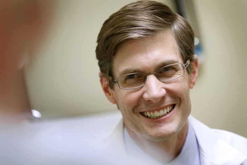 Eric Stecker, M.D., M.P.H. is an associate professor of cardiology at Oregon Health & Science University's Knight Cardiovascular Institute in Portland, Ore. (Credit: OHSU)