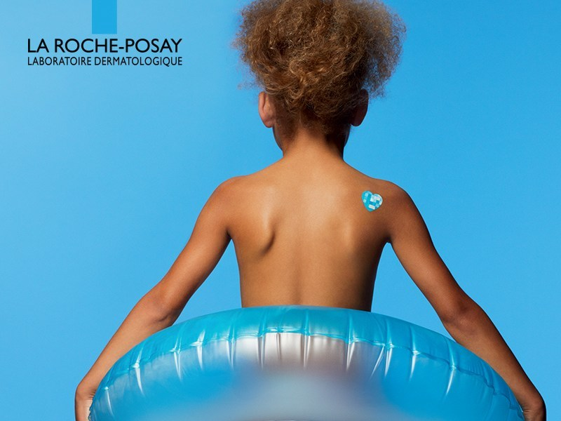 My UV patch is a unique transparent adhesive containing photosensitive dyes that change color when exposed to UV rays to indicate varying levels of sun exposure. (CNW Group/La Roche-Posay)