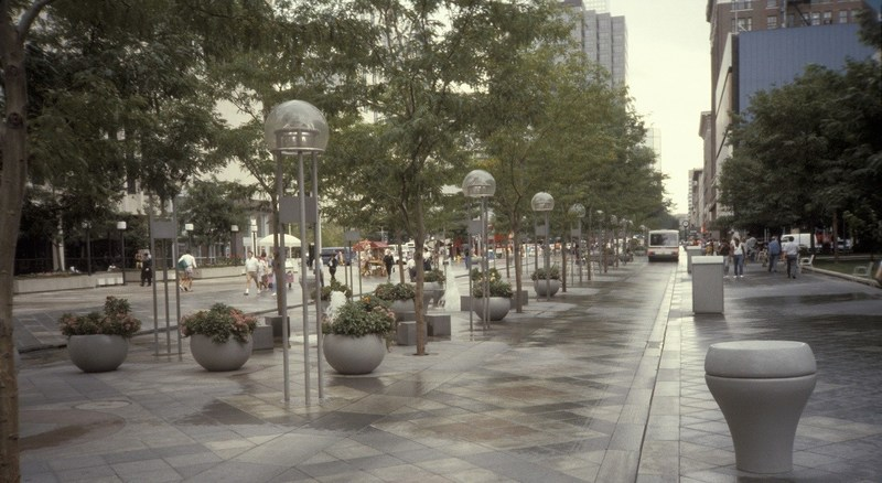 The City and County of Denver and the Regional Transportation District (RTD), with support from CH2M, will kick off the downtown 16th Street Mall alternative analysis and environmental clearance effort to determine the future of one of Denver's most vital connectors and important public spaces.