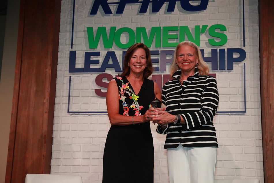 KPMG U.S. Chairman and CEO Lynne Doughtie presents IBM Chairman, President and CEO Ginni Rometty with the KPMG Inspire Greatness Award. (PRNewsfoto/KPMG LLP)