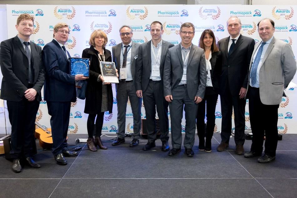 Health Product winner Sanofi & Campak at the Pharmapack Awards ceremony in February 2017 (PRNewsfoto/UBM EMEA)