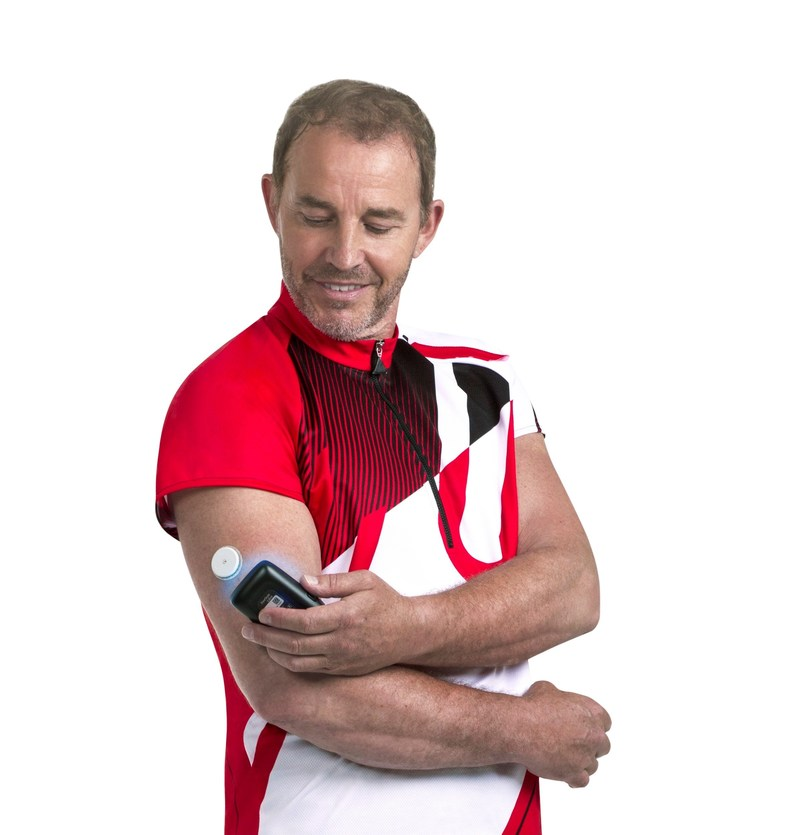 FreeStyle Libre system eliminates the need for routine finger sticks(1), requires no routine finger stick calibration, and reads glucose levels through a sensor worn on the back of the upper arm for up to 14 days. (CNW Group/Abbott Diabetes Care Canada)