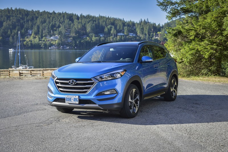 Hyundai has launched a rebate program for Canadian military, veterans, and their families that offers rebates on the company's cars and SUVs. (CNW Group/Hyundai Auto Canada Corp.)