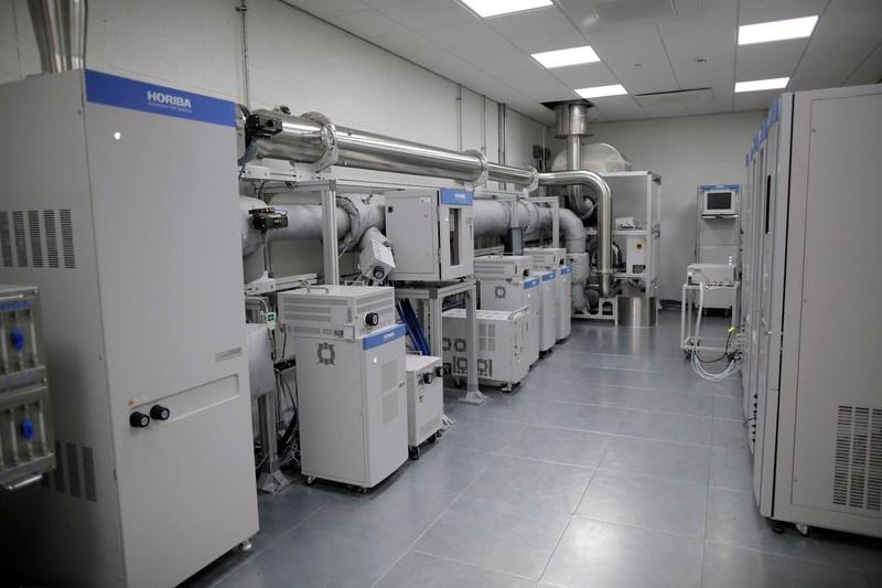 HORIBA MIRA AETC - Analyser Room fitted with state-of-the-art HORIBA Emissions Test Centre (PRNewsfoto/HORIBA MIRA)