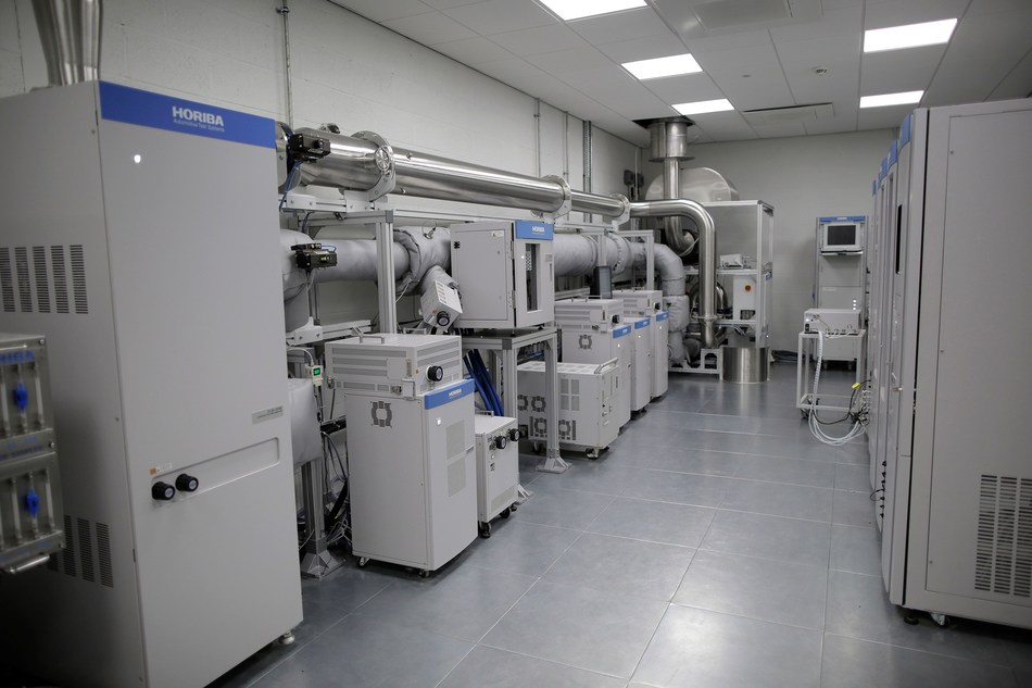 HORIBA MIRA AETC - Analyser Room fitted with state-of-the-art HORIBA Emissions Test Centre (PRNewsfoto/HORIBA MIRA)