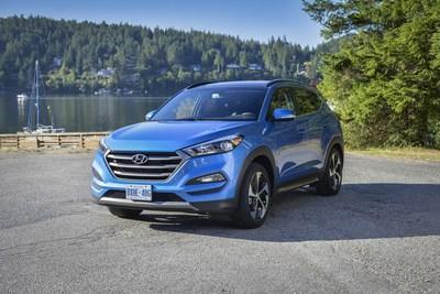 Hyundai a lancé un programme de réduction qui offre aux militaires et anciens combattants canadiens, ainsi qu'à leurs familles, des réductions sur les voitures et les VUS de la société. (Groupe CNW/Hyundai Auto Canada Corp.)