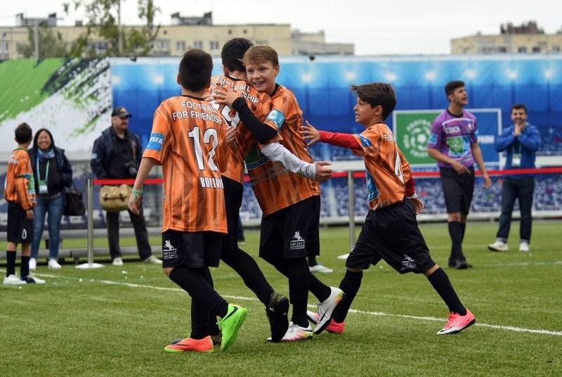 FIFTH SEASON OF GAZPROM FOOTBALL FOR FRIENDSHIP INTERNATIONAL CHILDREN'S SOCIAL PROGRAMME (PRNewsfoto/Gazprom)