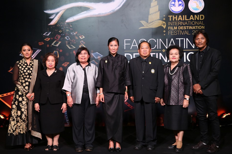 """Tourism and Sports Minister Mrs Kobkarn Wattanavrangkul announces the launch of the 5th Thailand International Film Destination Festival 2017, with an aim to push Thailand as World's Best Film Location. This year's concept is """"FASCINATING DESTINATION"""", focusing on promoting the eight tourism clusters in Thailand through a series of activities, such as a short film competition and the screening of famous films shot in Thailand. TIFDF 2017 will take place during July 4-27, 2017 (PRNewsfoto/TIFDF 2017)"""