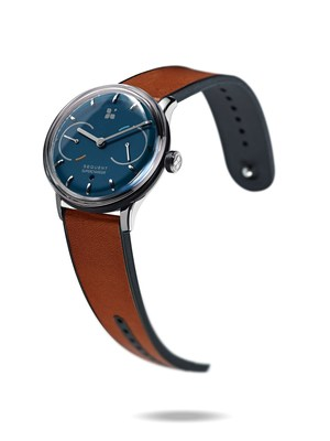 SEQUENT: the world's first kinetic self-charging smart watch, www.sequent.ch (PRNewsfoto/Sequent Ltd.)