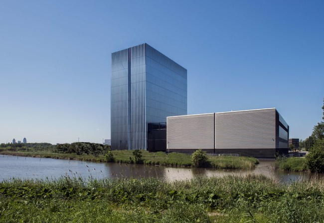 Equinix's new AM4 International Business Exchange™ (IBX®) data center in Amsterdam at its Science Park campus officially opens on July 5. The $113M vertical structure sits adjacent to AM3 and supports the increasing demand for interconnection capacity to accelerate business performance.