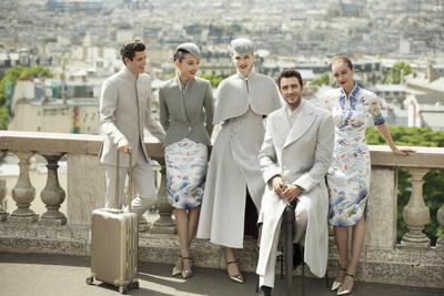 Nouvel uniforme d'Hainan Airlines à Paris (PRNewsfoto/Hainan Airlines Holding Co., LT)