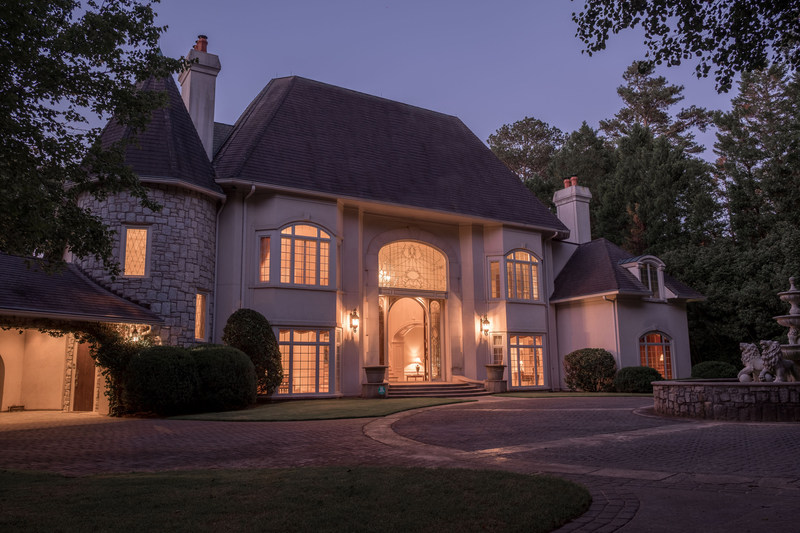 AUCTION : Gated 9.3 ± Acre Estate in BUCKHEAD, GA