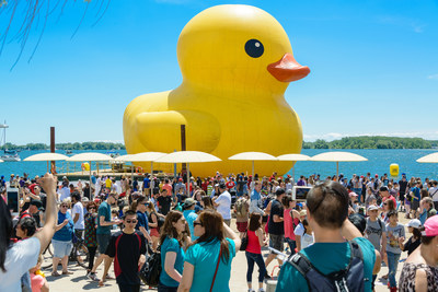 Record breaking crowds at the Redpath Waterfront Festival, July 1-3 at HTO Park along Toronto's waterfront.  Photo by Jim Orgill (CNW Group/Water's Edge Festivals & Events)