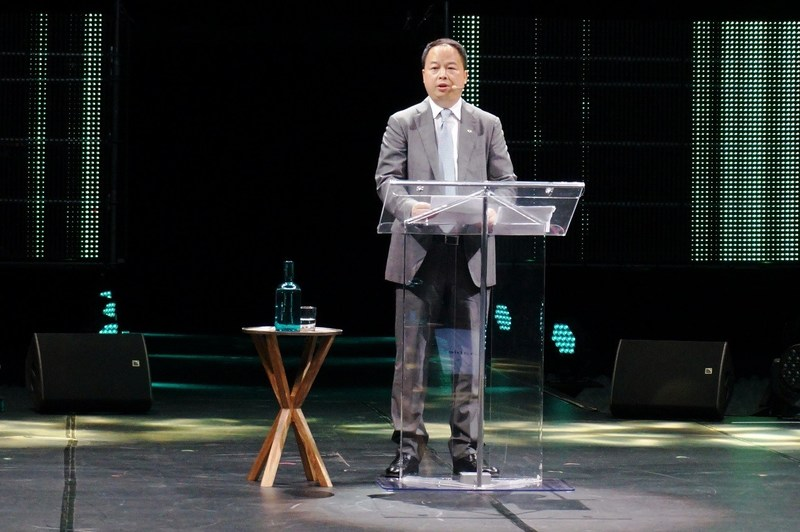 Yu Jun, president of GAC Motor, is presenting in English at Michelin Movin'On, the global sustainable mobility summit in Montreal, Canada in June