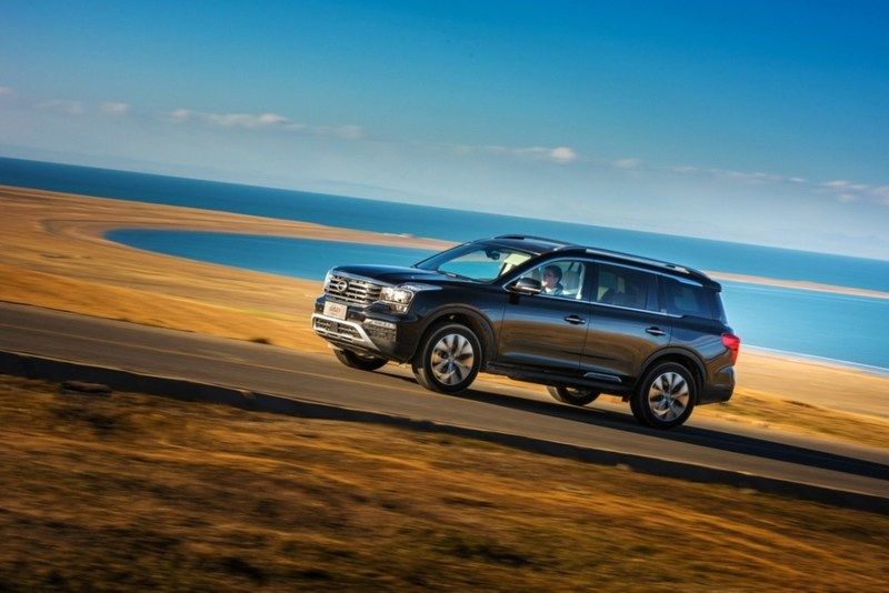 the flagship luxury seven-seat SUV GS8