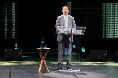 Yu Jun, presidente de GAC Motor, hace una presentación en inglés en Michelin Movin'On, la cumbre global de movilidad sostenible en  Montreal, Canadá, en junio (PRNewsfoto/GAC Motor)