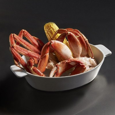 Red Lobster's® NEW! Dueling Crab Legs™ feature a pairing of Pacific Northwest Dungeness crab legs with sweet North American Snow crab legs for the ultimate crab leg experience.