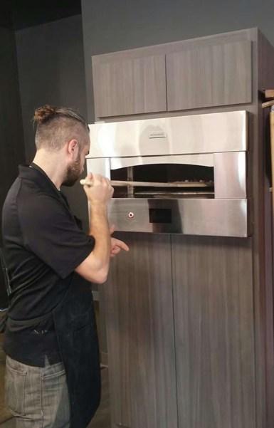 GE Appliances develops an ultra-fast pizza oven: 2 minute rapid bake