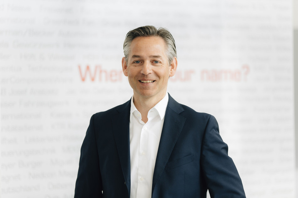"""""""We are proud to be mentioned in the same breath as IT service providers such as Accenture, IBM, and Capgemini as an SAP consulting firm. The outstanding positioning of itelligence AG and NTT DATA Deutschland GmbH can be attributed mainly to the users' confidence in our services and to their investments in the course of the digital transformation,"""" explains Norbert Rotter, itelligence AG's CEO. (PRNewsfoto/itelligence AG)"""