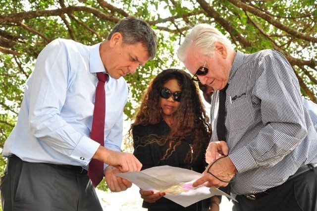 Founder/CEO Rendeavour Stephen Jennings, Managing Director Gallagher Power Systems Ltd (EA) Edith Wragg, Chairman/CEO Gallagher Group Limited Sir William Gallagher KNZM MBE HonDr at Tatu City, Kenya (PRNewsfoto/Tatu City)