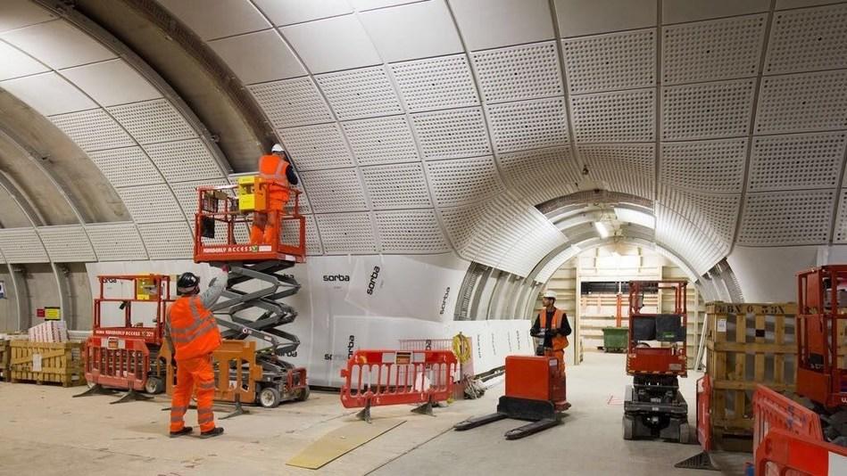 Installation of the elements for Farringdon station in London (PRNewsfoto/Ballast Nedam)