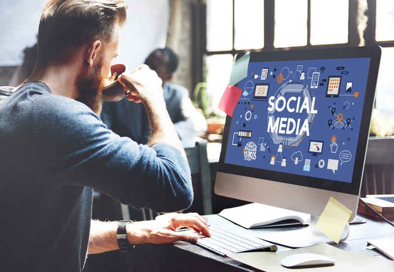 Social Media Manager is a hot advertising job, responsible for helping corporations and advertisers reach the right audience.