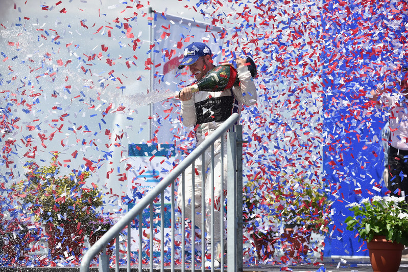 Mumm Champagne - Sam Bird celebrating his victory with Mumm Grand Cordon (PRNewsfoto/Maison Mumm)