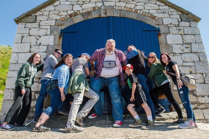 "Kristian Nairn ""holds the door"" for unsuspecting tour goers on TripAdvisor's #1 Game of Thrones Tour in Northern Ireland"