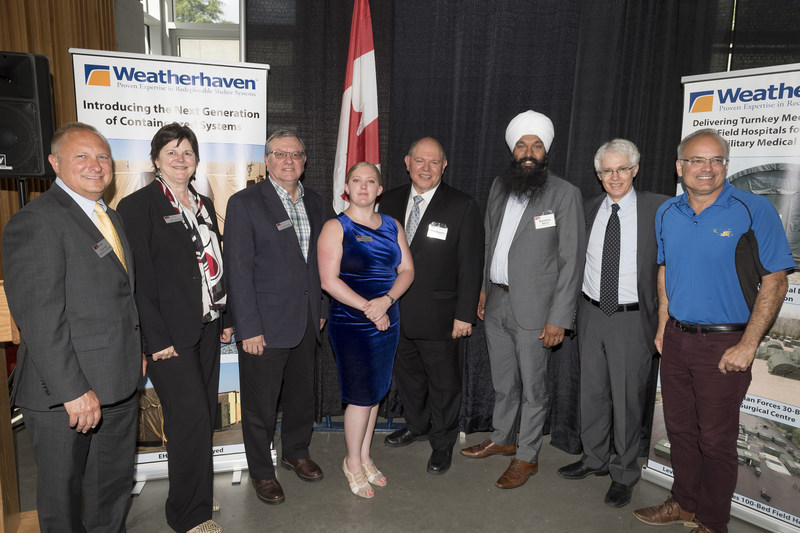 Event attendees included Member of Parliament for Surrey–Centre, Randeep Sarai, Chief Executive Officer of Weatherhaven, Ray Castelli, President and Vice-Chancellor of Simon Fraser University, Andrew Petter, and SFU Beedie School of Business MBA student & Weatherhaven intern, Sarah Topps. (CNW Group/Weatherhaven)