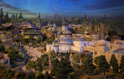 Today at D23 Expo 2017, Walt Disney Parks and Resorts Chairman Bob Chapek unveiled the epic detailed model of the Star Wars-themed lands coming to Disneyland park and Disney's Hollywood Studios, which will remain on display throughout the weekend as part of
