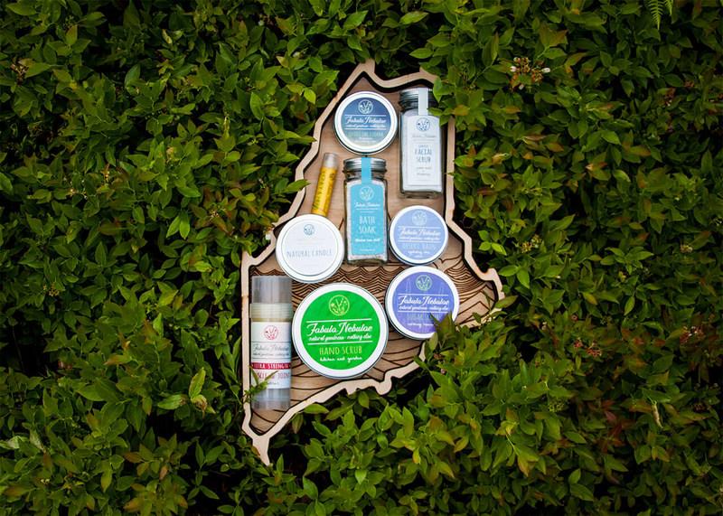 Maine Gift Box by Fabula Nebulae