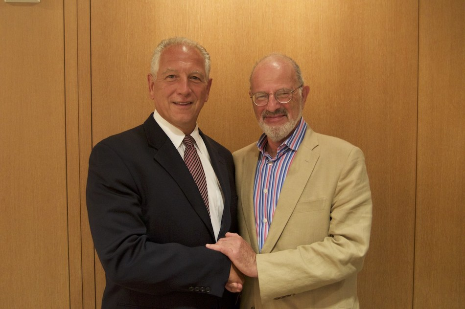 From left to right: Stephen Sacca and Guy Pfeffermann (PRNewsfoto/Global Business School Network)