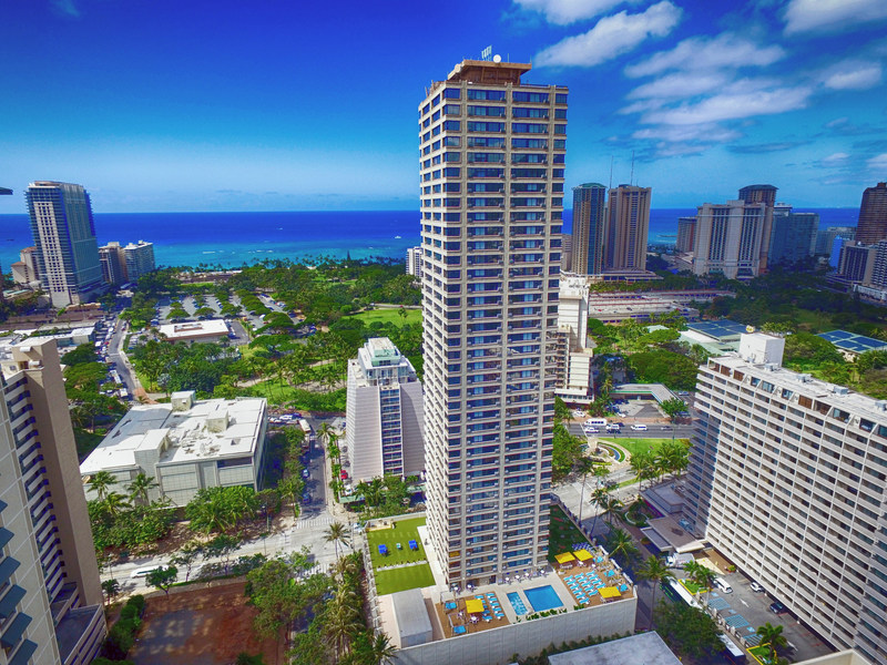 Standing 44 stories tall with 596 guest rooms, the new Holiday Inn Express Waikiki hotel is the largest Holiday Inn Express property in the Americas.
