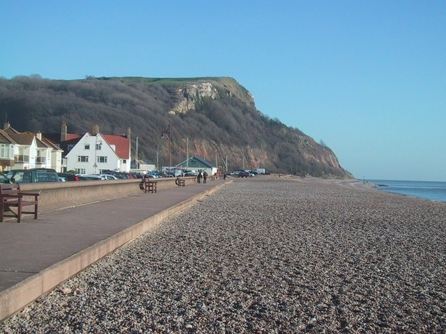 East Devon District Council selected CH2M to develop a beach management plan to strengthen the Seaton seafront against coastal flooding and erosion.