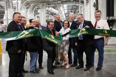 Cascades inaugurait aujourd'hui sa nouvelle usine de conversion de papier tissu en Oregon. (Groupe CNW/Cascades Inc.)