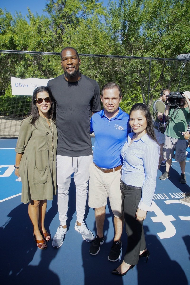 NBA All-Star Kevin Durant shown with, from left, BBVA Compass Director of Strategic Sponsorships & Branded Content Sheiludis Moyett; Taylor Nichols, IDEA Rundberg College Prep Principal; and Yolanda Davila, BBVA Compass Community Relations Executive for Texas and IDEA board member.