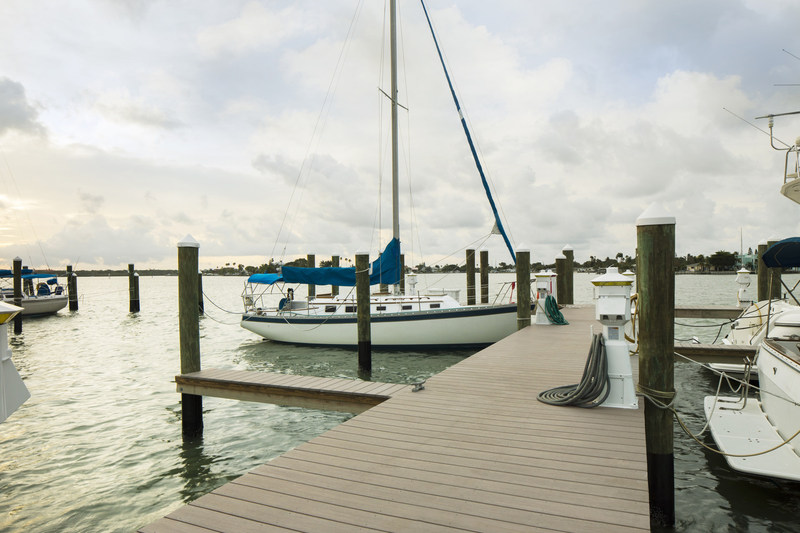 AZEK® Deck for docks are splinter-free, resistant to mold, mildew and moisture damage, and won't crack, rot or warp.