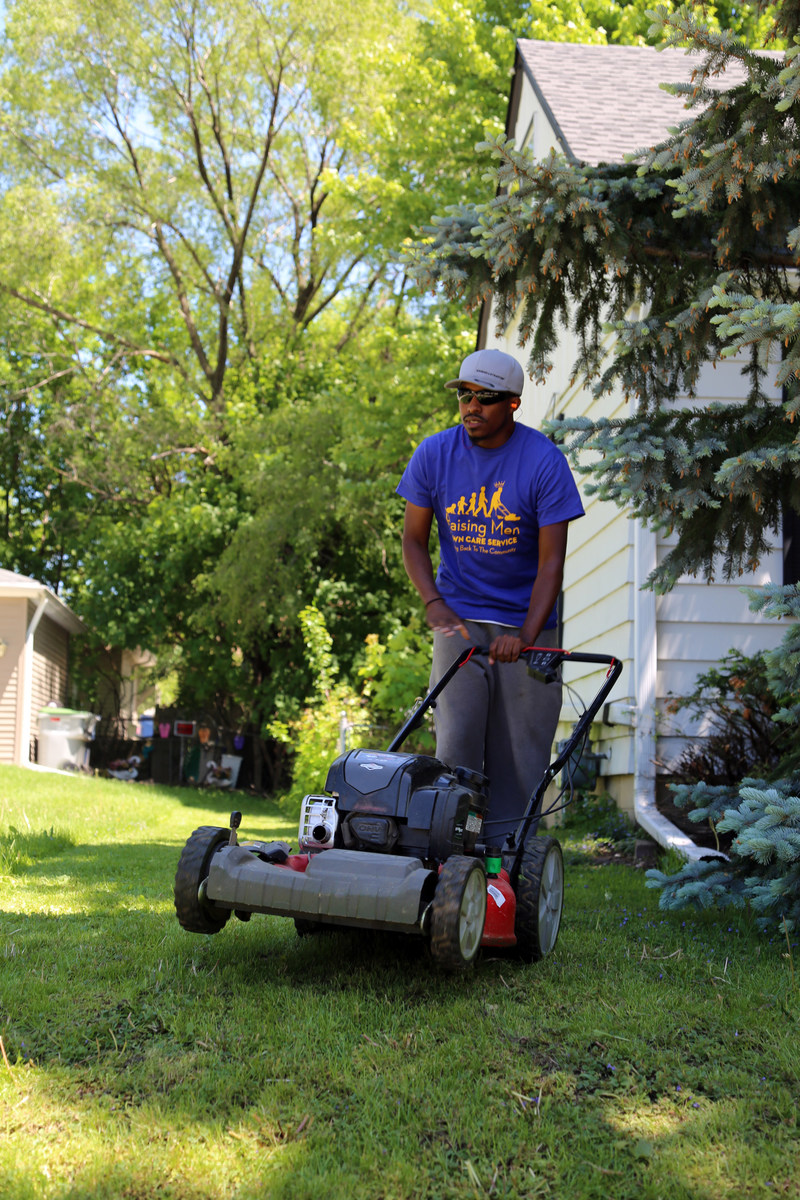 Rodney Smith Jr. wraps up 50 States, 50 lawns tour
