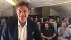 Dans le cadre du projet « Fly Good Feel Good » de Turkish Airlines, le docteur Mehmet Oz donne des recettes pour un vol sain à 30 000 pieds d'altitude