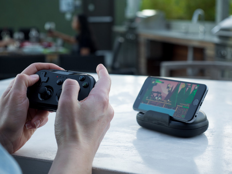 The Kanex GoPlay Sidekick is a pocket-sized wireless game controller for iPhone, iPad and Apple TV.