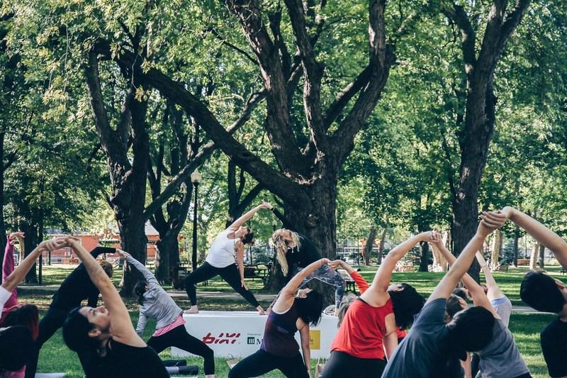 Nouveau record atteint, dimanche BIXI gratuit offert par Manuvie et yoga en plein air en collaboration avec Lolë (Groupe CNW/Bixi Montréal)