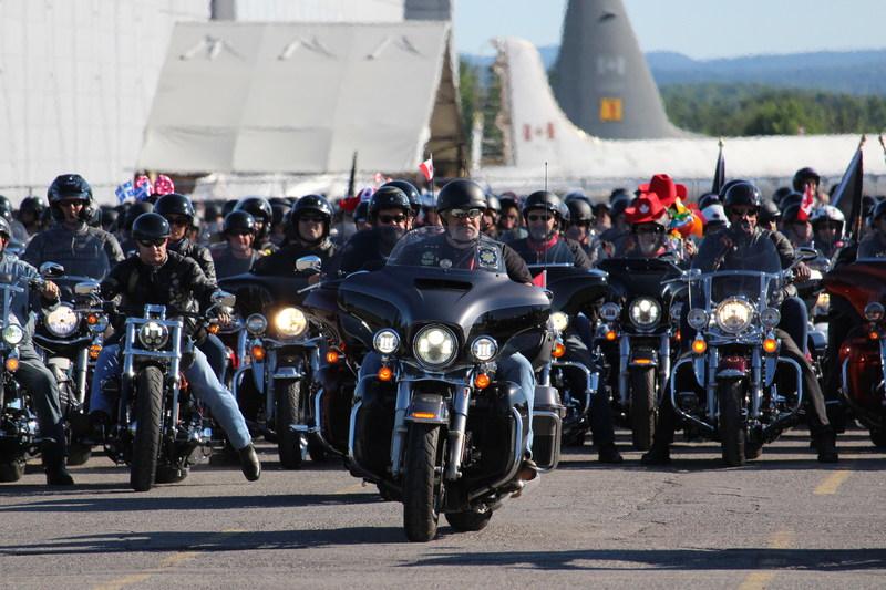 Plus de 1 500 membres du Harley-Davidson® Owners Group (H.O.G. ®) provenant de partout en Amérique du Nord se sont donnés rendez-vous à Ottawa pour le rallye national H.O.G. 2017, du jeudi 27 juillet au 29 juillet. Un défilé et un événement clôture avec les membres a eu lieu samedi le 29 juillet au concessionnaire Freedom Harley-Davidson of Ottawa sur le chemin Merivale. (Groupe CNW/Harley-Davidson Canada)