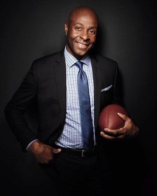"""Pro Football Hall of Famer Jerry Rice has teamed up with National Kidney Foundation (NKF) as its social media ambassador to encourage all Americans to """"Heart Your Kidneys."""" (PRNewsfoto/National Kidney Foundation)"""