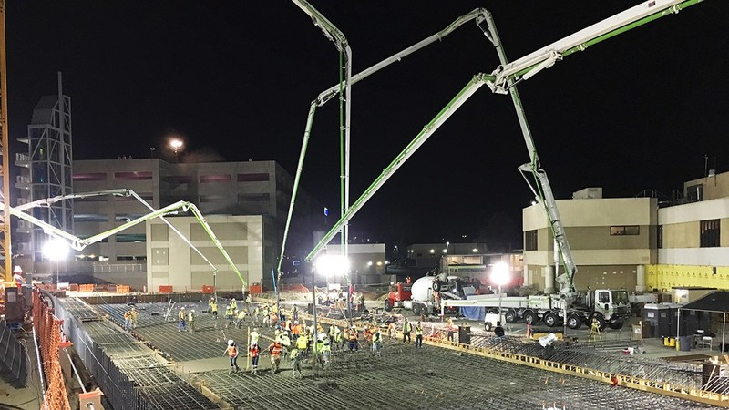 Hensel Phelps performs overnight concrete pour for the new Sharp Chula Vista Ocean View Tower. (Photo credit: Hensel Phelps)
