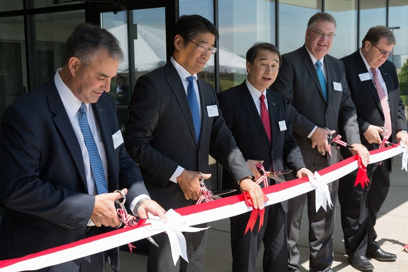Ralph Taylor (CEO, SAI), Naoki Ito (Consulate-General of Japan in Chicago), Hisashi Ietsugu (Sysmex Corporation in Japan, CEO), Steve Lentz (Mundelein Mayor), John Kershaw (Chairman, SAI)--Image: From Left to Right, SRA expansion celebration - ribbon cutting