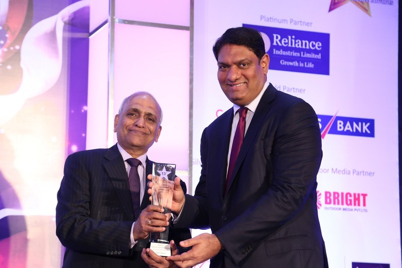Mr. Krishna Bodanapu, MD & CEO, Cyient receving award for 'Leaders in Corporate Innovation' from Mr. N V Srinivasan, National President, IACC